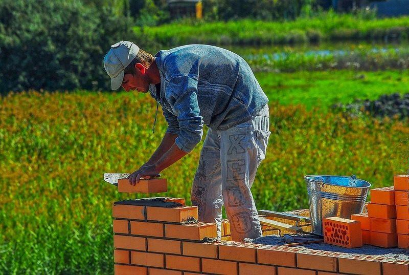 работа по договору подряда строителем